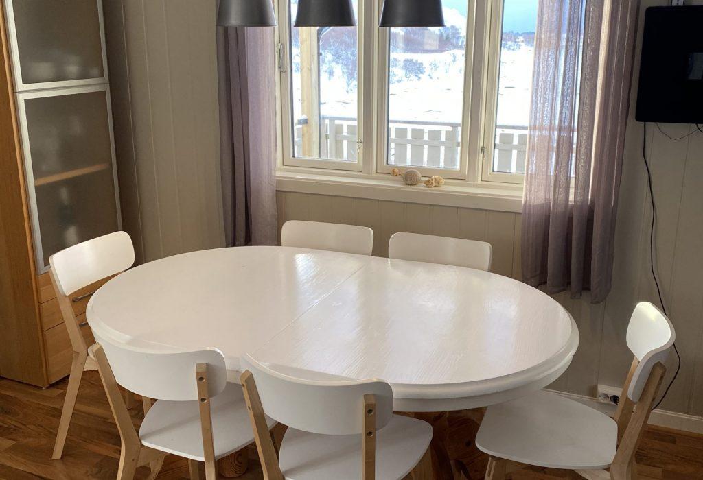 Spisestue. Bord kan utvides.